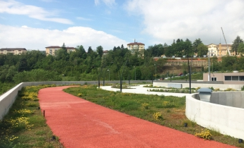parcheggio multipiano - estensivo a prato naturale e aromatiche - pedonale