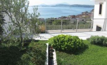 Un giardino sul tetto fa bene all'ambiente e risparmia energia